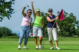women and golf